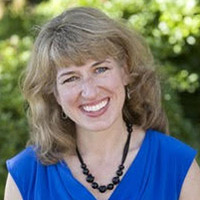 Headshot of Denise Allan, a Certified Professional Organizer with Simplify Experts